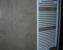 Dekorwand Lehmfarbe gespachtelt und poliert in Lage